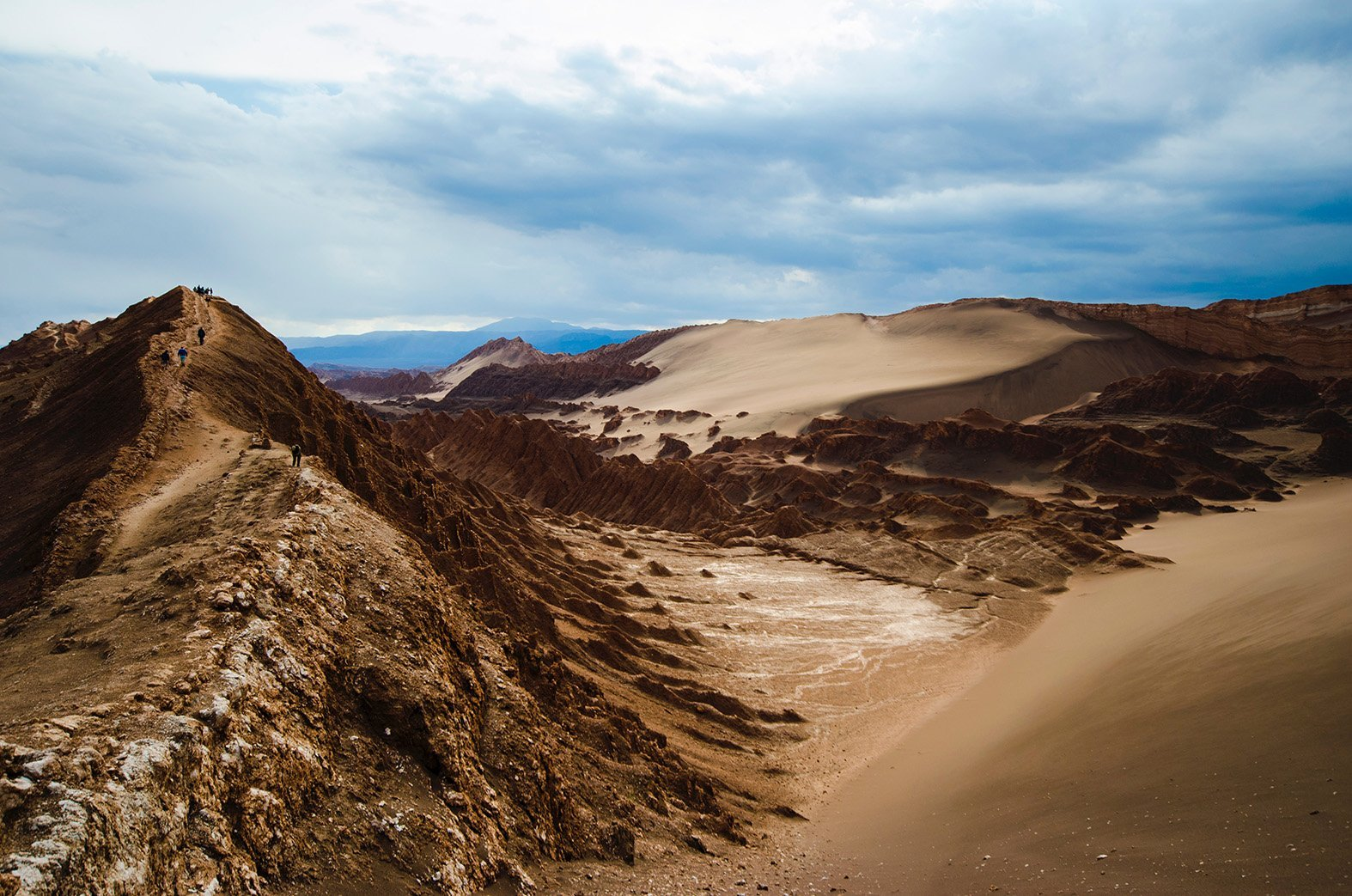 Atacama desert is all about the unearthly landscapes
